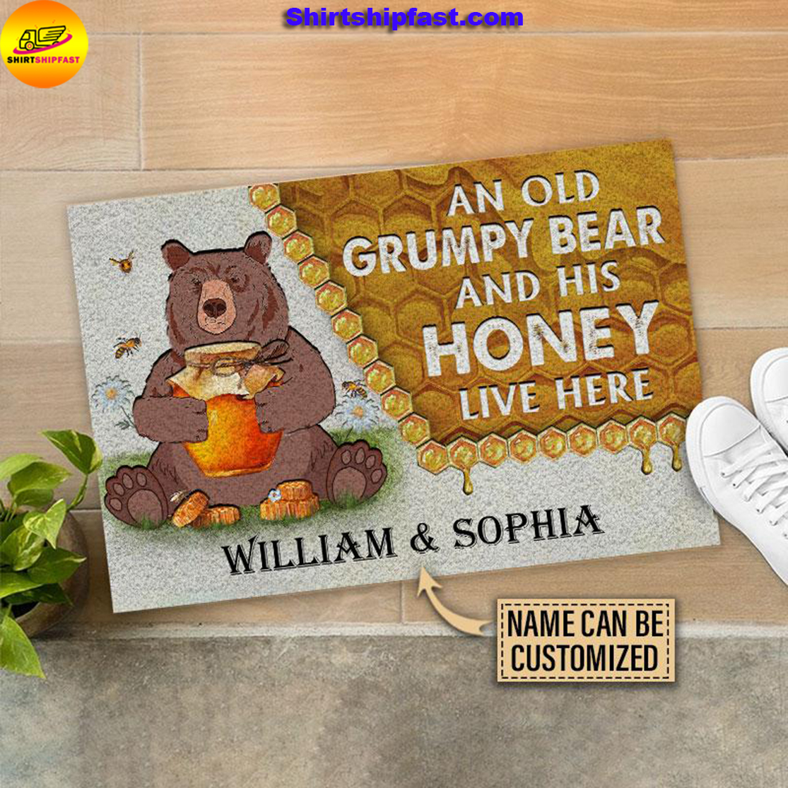 Personalized Bear and his honey bee live here customized doormat - Picture 2